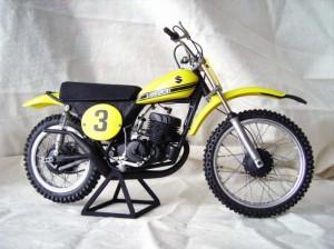 Suzuki 400 01