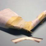 Sulla presa d'aria nel muso del telaio ho buttato via la retina stampata e ho messo una retina in metallo.